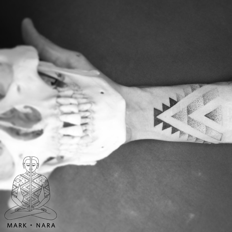 mark-nara-hand-poked-therapeutic-tattoo